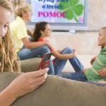 Polacy chętnie pomagają, także przez SMS