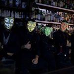 Barmani w ikonicznych maskach po raz pierwszy we Wrocławiu