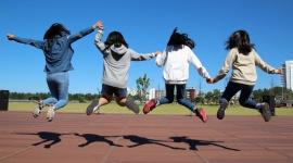 WYMARZONE ZAWODY MŁODYCH Styl życia, LIFESTYLE - Nietrudno zauważyć, że dzisiejsza młodzież pod wieloma względami różni się od swoich poprzedników.