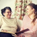 Opiekun osób starszych – zawód przyszłości?